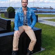 NLD/Loosdrecht/20130221 - Perspresentatie RTL programma Cheat on Me, presentator Jan Kooijman