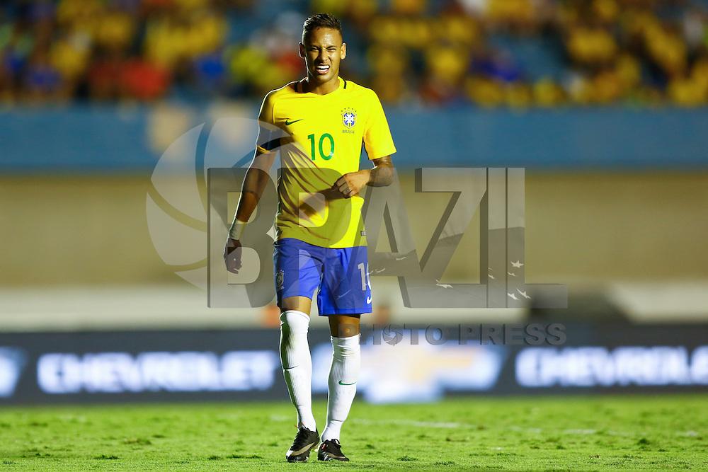 GOIANIA, GO, 30.07.2016 - BRASIL-JAP&Atilde;O - Neymar no lance de jogo contra a sele&ccedil;&atilde;o do Jap&atilde;o  no Est&aacute;dio Serra Dourada, em Goi&acirc;nia (GO), neste s&aacute;bado,30. Em prepara&ccedil;&atilde;o para os Jogos Ol&iacute;mpicos do Rio.<br /> (Foto: Marcos Souza/Brazil Photo Press)