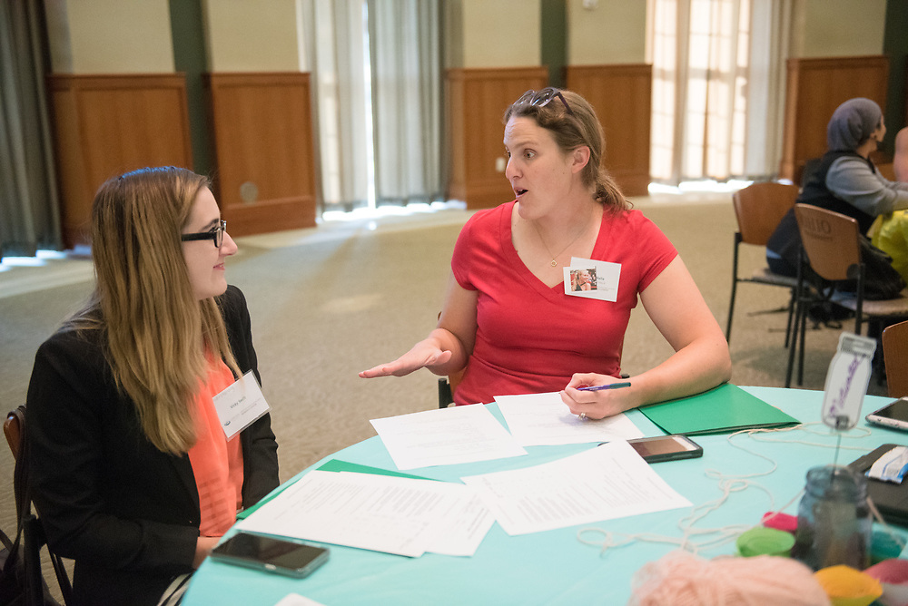 Student Vicki Swift talks with her mentor Andie Walla during the Women's Mentoring Meet and Greet event on Sept. 4, 2018 in Walter Rotunda. Photo by Hannah Ruhoff