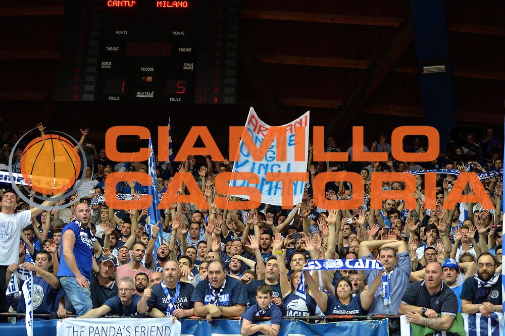 DESCRIZIONE : Desio 2014-2015 Acqua Acqua Vitasnella Cant&ugrave; EA7 Emporio Armani Milano<br /> GIOCATORE : Pubblico<br /> CATEGORIA : Tifosi<br /> SQUADRA : Acqua Vitasnella Cant&ugrave;<br /> EVENTO : Campionato Lega A 2014-2015 GARA : Acqua Vitasnella Cant&ugrave; EA7 Emporio Armani Milano<br /> DATA : 16/04/2015<br /> SPORT : Pallacanestro <br /> AUTORE : Agenzia Ciamillo-Castoria/IvanMancini<br /> GALLERIA : Lega Basket A 2014-2015 FOTONOTIZIA : Desio Lega A 2014-2015 Acqua Vitasnella Cant&ugrave; EA7 Emporio Armani Milano<br /> PREDEFINITA :