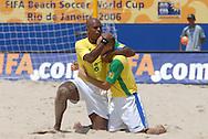 Football-FIFA Beach Soccer World Cup 2006 - Semi-final -BRA_POR -Junior Negão-BRA- celebrates  Sidney's goal - Rio de Janeiro - Brazil 11/11/2006<br />Mandatory credit: FIFA/ Marco Antonio Rezende.