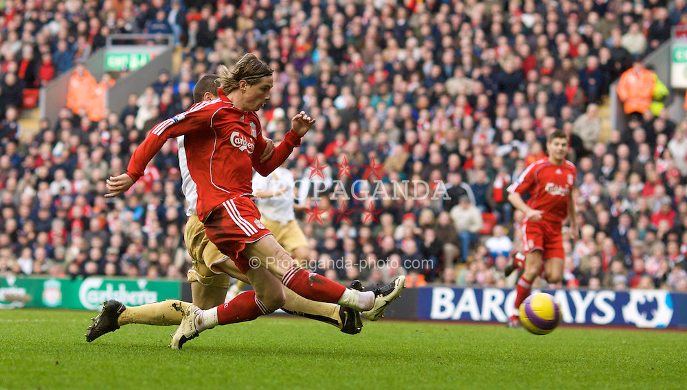LIVERPOOL, ENGLAND - Saturday, February 23, 2008: Liverpool's match-winner Fernando Torres in action against Middlesbrough during the Premiership match at Anfield. (Photo by David Rawcliffe/Propaganda)