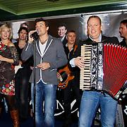NLD/Volendam/20101018 - Cd presentatie Mon Amour,