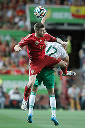 30.05.2014, Estadio Sanchez Pizjuan, Sevilla, ESP, FIFA WM, Testspiel, Spanien vs Bolivien, im Bild Spaniens Alberto Moreno (l) and Bolivia's Juan Carlos Arce // Spain's Alberto Moreno (l) and Bolivia's Juan Carlos Arce during friendly match between Spain and Bolivia for Preparation of the FIFA Worldcup Brasil 2014 at the Estadio Sanchez Pizjuan in Sevilla, Spain on 2014/05/30. EXPA Pictures © 2014, PhotoCredit: EXPA/ Alterphotos/ Acero<br /> <br /> *****ATTENTION - OUT of ESP, SUI*****