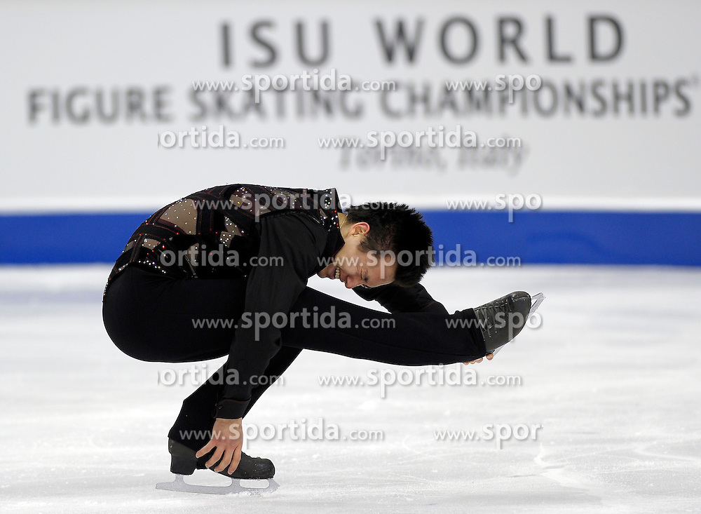 23.03.2010, Torino Palavela, Turin, ITA, ISU World Figure Skating Championships Turin 2010, Männer Kurzprogramm, im Bild Patrick Chan (CAN) momentary second place, EXPA Pictures © 2010, PhotoCredit: EXPA/ InsideFoto/ Perottino / SPORTIDA PHOTO AGENCY