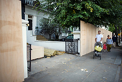 © Licensed to London News Pictures. 24/08/2018. London, UK. A residential property boarded up in Notting Hill, West London ahead of the 2018 Notting Hill Carnival which starts this weekend. Photo credit: Ben Cawthra/LNP