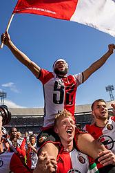 14-05-2017 NED: Kampioenswedstrijd Feyenoord - Heracles Almelo, Rotterdam<br /> In een uitverkochte Kuip speelt Feyenoord om het landskampioenschap / Tonny Vilhena #10, Dirk Kuyt #7
