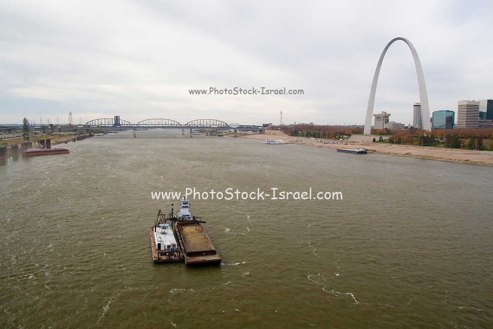 St. Louis Missouri MO USA, The Gateway Arch, Jefferson National Expansion Memorial  park, the Mississippi river, and the Illinois side of Eads bridge. October 2006