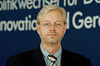 """25.06.1998, Germany/Bonn:<br /> Albert Glöckner, SPD, stellv. Schatzmeister, SPD Veranstaltung """"Neue Politik - Neue Chancen für die Städte"""", Beethovenhalle<br /> IMAGE: 19980625-02/04-22<br />   <br />  <br />  <br /> KEYWORDS: Albert Gloeckner"""