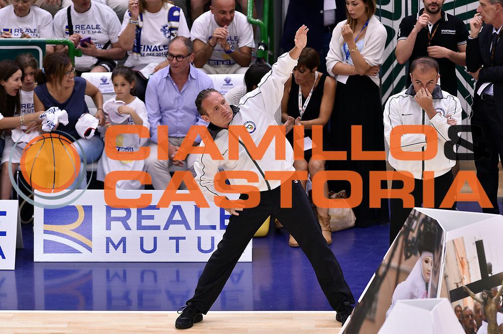 DESCRIZIONE : Sassari Lega A 2014-2015 Banco di Sardegna Sassari Grissinbon Reggio Emilia Finale Playoff Gara 6 <br /> GIOCATORE : Dino Seghetti arbitro<br /> CATEGORIA : arbitro pregame<br /> SQUADRA : arbitro<br /> EVENTO : Campionato Lega A 2014-2015<br /> GARA : Banco di Sardegna Sassari Grissinbon Reggio Emilia Finale Playoff Gara 6 <br /> DATA : 24/06/2015<br /> SPORT : Pallacanestro<br /> AUTORE : Agenzia Ciamillo-Castoria/GiulioCiamillo<br /> GALLERIA : Lega Basket A 2014-2015<br /> FOTONOTIZIA : Sassari Lega A 2014-2015 Banco di Sardegna Sassari Grissinbon Reggio Emilia Finale Playoff Gara 6<br /> PREDEFINITA :