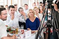 04 JUN 2019, BERLIN/GERMANY:<br /> Dirk Wiese, MdB, SPD, Sprecher Seeheimer Kreis, Hubertus Heil, SPD, Bundesarbeitsminister, Barabara Hendricks, SPD, Bundesministerin a.D., Manuela Schwesig, SPD, Ministerpraesidentin Mecklenburg-Vorpommern, Franziska Giffey, SPD, Bundesfamilienministerin, (v.L.n.R.), waehrend der Rede von O laf S cholz, Spargelfahrt des Seeheimer Kreises der SPD, Anleger Wannsee<br /> IMAGE: 20190604-01-173