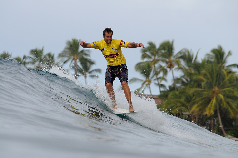 November 1st 2010: Dylan Holland of Australia during the trails for the ASP World Longboard Championship at Makaha Oahu-Hawaii. Photo by Matt Roberts/mattrIMAGES.com.au