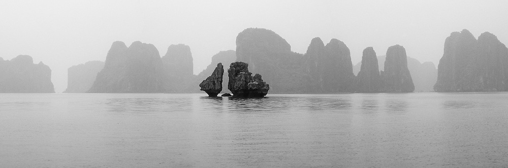 Vietnam Images-panoramic landscape-Ha Long bay