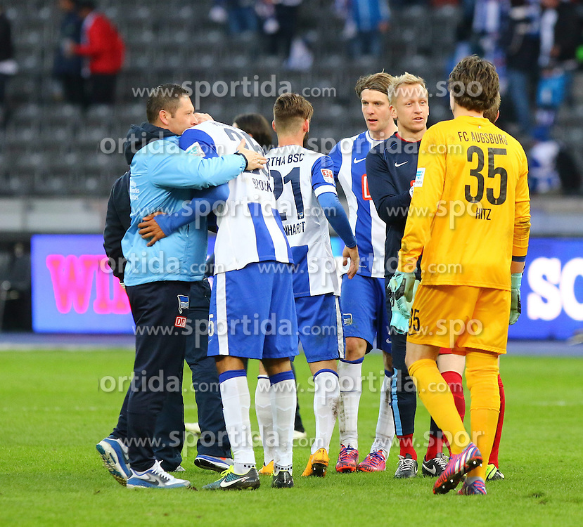 28.02.2015, Olympiastadion, Berlin, GER, 1. FBL, Hertha BSC vs FC Augsburg, 23. Runde, im Bild Erleichterte Herthaner nach dem 1:0-Seig // SPO during the German Bundesliga 23rd round match between Hertha BSC and Hertha BSC vs FC Augsburg at the Olympiastadion in Berlin, Germany on 2015/02/28. EXPA Pictures &copy; 2015, PhotoCredit: EXPA/ Eibner-Pressefoto/ Hundt<br /> <br /> *****ATTENTION - OUT of GER*****