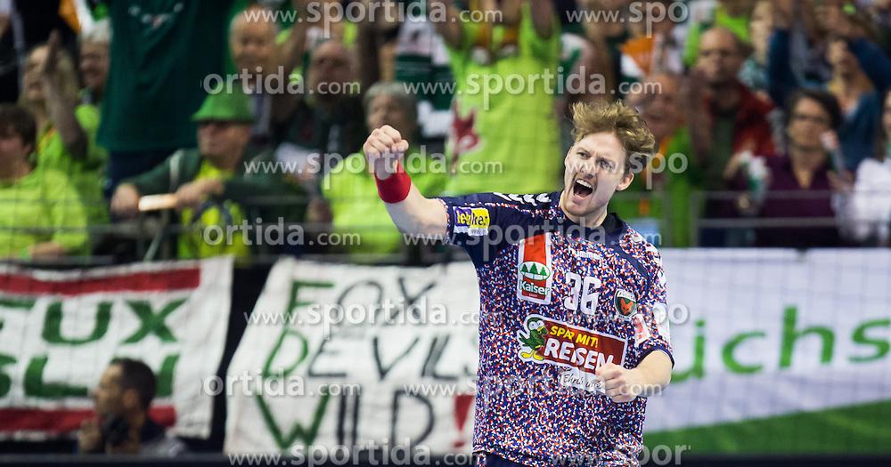 Berlin, Deutschland, 17.05.2015:<br /> Handball EHF Cup Finale 2014 / 2015 - Fuechse Berlin - HSV Hamburg - EHF CUP Finals 2014/15.<br /> <br /> Jesper Nielsen (Fuechse #36) jubelt *** Local Caption *** &copy; pixathlon