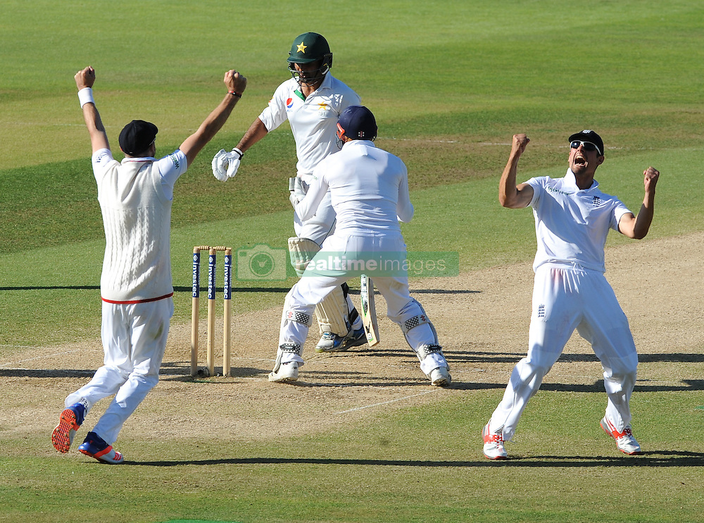 England captain Alastair Cook (right) celebrates after England beat Pakistan by 141 runs during day five of the 3rd Investec Test Match at Edgbaston, Birmingham.