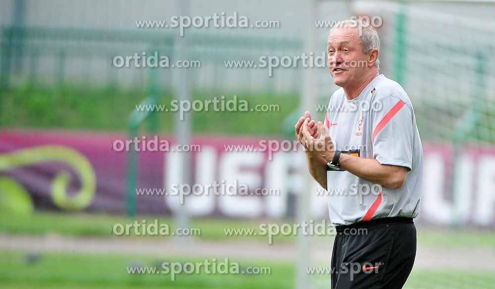 10.06.2012, Stadion Polonia, Warschau, POL, UEFA EURO 2012, Polen, Training, im Bild FRANCISZEK SMUDA // during EURO 2012 Trainingssession of Polish Nationalteam, at the Polonia Stadium, Warschau, Poland on 2012/06/10. EXPA Pictures © 2012, PhotoCredit: EXPA/ Newspix/ Norbert Barczyk..***** ATTENTION - for AUT, SLO, CRO, SRB, SUI and SWE only *****