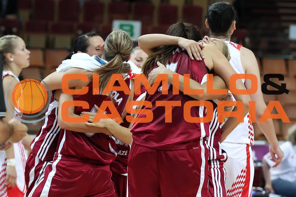 DESCRIZIONE : Katowice Poland Polonia Eurobasket Women 2011 Round 1 Croazia Lettonia Croatia Latvia<br /> GIOCATORE : esultanza team<br /> SQUADRA : Latvia Lettonia<br /> EVENTO : Eurobasket Women 2011 Campionati Europei Donne 2011<br /> GARA : Croazia Lettonia Croatia Latvia<br /> DATA : 20/06/2011<br /> CATEGORIA :<br /> SPORT : Pallacanestro <br /> AUTORE : Agenzia Ciamillo-Castoria/E.Castoria<br /> Galleria : Eurobasket Women 2011<br /> Fotonotizia : Katowice Poland Polonia Eurobasket Women 2011 Round 1 Croazia Lettonia Croatia Latvia<br /> Predefinita :