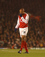 Fotball<br /> Premier League England 2004/2005<br /> Foto: BPI/Digitalsport<br /> NORWAY ONLY<br /> <br /> Arsenal v Chelsea<br /> FA Barclays Premiership, Highbury 12/12/04<br /> <br /> Arsenal's Thierry Henry shows his disapointment as his side fail to win