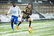 G&Ouml;TEBORG - 2018-02-18: Lumala Abdu i IFK V&auml;rnamo och Joel Andersson i BK H&auml;cken jagar bollen under matchen i Svenska Cupen, grupp 4, mellan BK H&auml;cken och IFK V&auml;rnamo den 18 februari 2018 p&aring; Bravida Arena i G&ouml;teborg, Sverige.<br /> Foto: Anders Ylander/Ombrello<br /> ***BETALBILD***