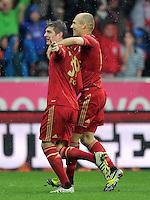 FUSSBALL   1. BUNDESLIGA  SAISON 2011/2012   27. Spieltag FC Bayern Muenchen - Hannover 96       24.03.2012 Jubel nach dem Tor zum 1:0, Toni Kroos (li,) Arjen Robben  (FC Bayern Muenchen)