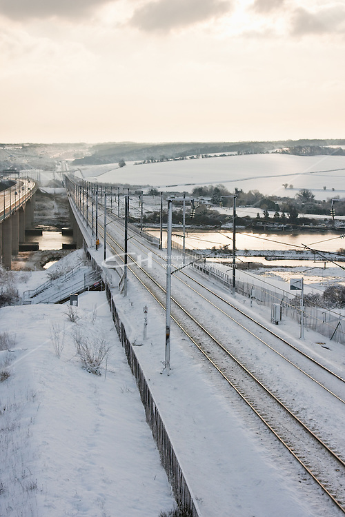 Icey weather halts Eurostar service