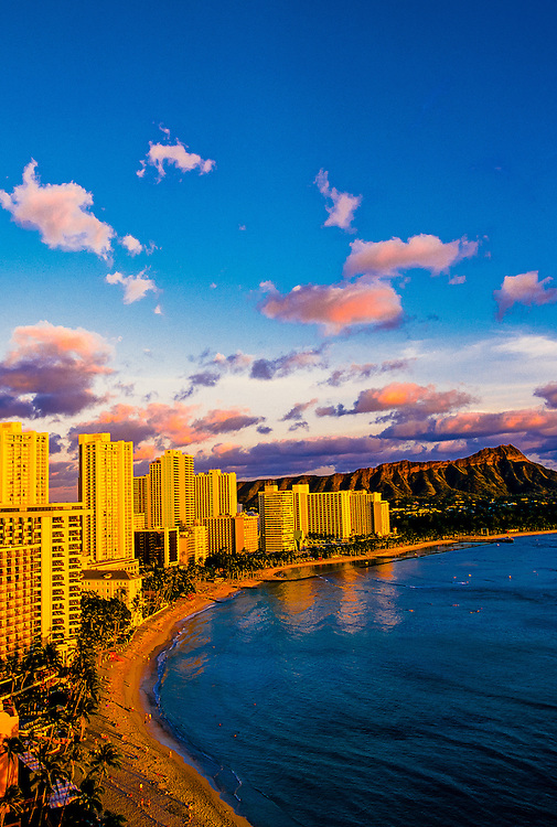 Overview of Waikiki Beach and Diamond Head at sunset, Honolulu, Hawaii USA