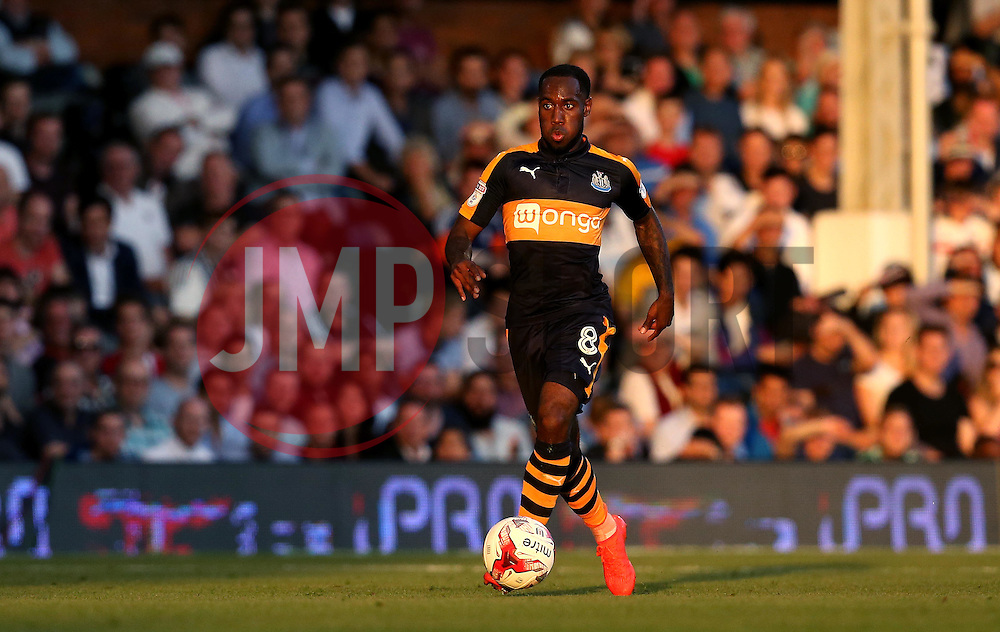 Vurnon Anita of Newcastle United runs with the ball - Mandatory by-line: Robbie Stephenson/JMP - 05/08/2016 - FOOTBALL - Craven Cottage - Fulham, England - Fulham v Newcastle United - Sky Bet Championship