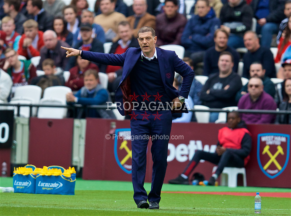 LONDON, ENGLAND - Saturday, April 22, 2017: West Ham United's manager Slaven Bilic during the FA Premier League match against Everton at the London Stadium. (Pic by David Rawcliffe/Propaganda)