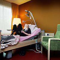 Nederland, Amsterdam , 26 april 2012..Patient in Joods Hospice..Het Joods hospice aan de Amstelveense weg bestaat 5 jaar..Foto:Jean-Pierre Jans