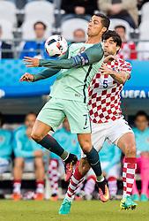 25.06.2016, Stade Bollaert Delelis, Lens, FRA, UEFA Euro 2016, Kroatien vs Portugal, Achtelfinale, im Bild Cristiano Ronaldo (POR), Vedran Corluka (CRO) // Cristiano Ronaldo (POR) Vedran Corluka (CRO) during round of 16 match between Croatia and Portugal of the UEFA EURO 2016 France at the Stade Bollaert Delelis in Lens, France on 2016/06/25. EXPA Pictures © 2016, PhotoCredit: EXPA/ JFK