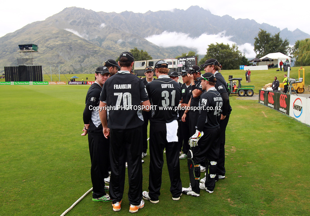 The Black Caps at the Queenstown Events Centre. 2nd ODI, Black Caps v Pakistan, One Day International Cricket. Queenstown, New Zealand. Wednesday 26  January 2011. Photo: Andrew Cornaga/photosport.co.nz