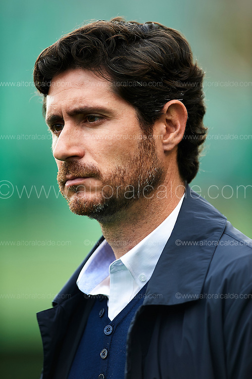 SEVILLE, SPAIN - DECEMBER 04:  Head Coach of Real Betis Balompie Victor Sanchez del Amo looks on during La Liga match between Real Betis Balompie an RC Celta de Vigo at Benito Villamarin Stadium on December 4, 2016 in Seville, Spain.  (Photo by Aitor Alcalde Colomer/Getty Images)