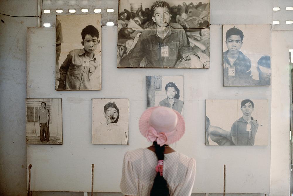 SEP 1998 - Phnom Pehn (Cambogia) - Il liceo Tuol Sleng, museo dell'autosterminio
