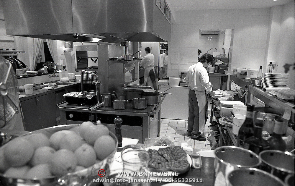 NLD/Naarden/19931210 - Arsenaal Naarden keuken