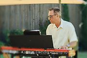 Dan Balmer performing at Carlton Cellars Winery
