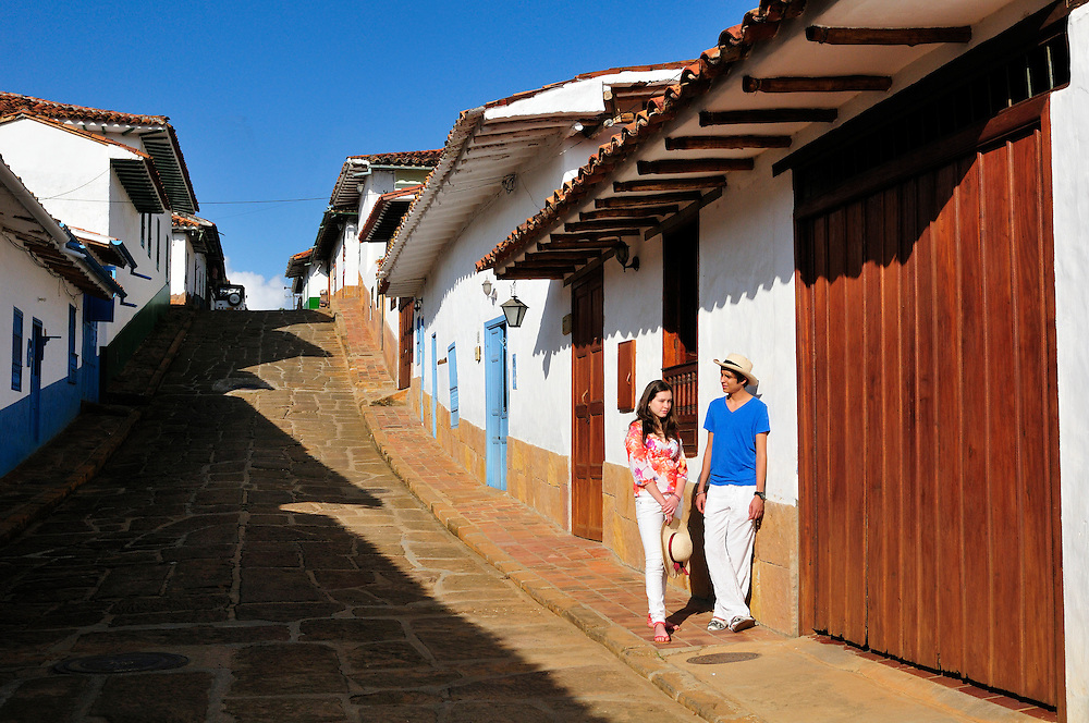 (m) Local couple,Colonial Town Barichara,Colombia,South America<br /> Model release: 079,0180