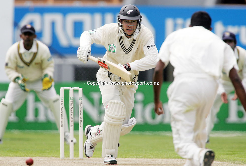 Daniel Vettori on day two of the first cricket test match between the New Zealand Black Caps and Sri Lanka at Jade Stadium, Christchurch, New Zealand on Friday 8 December 2006. Photo: Hannah Johnston/PHOTOSPORT<br /> <br /> <br /> <br /> 081206