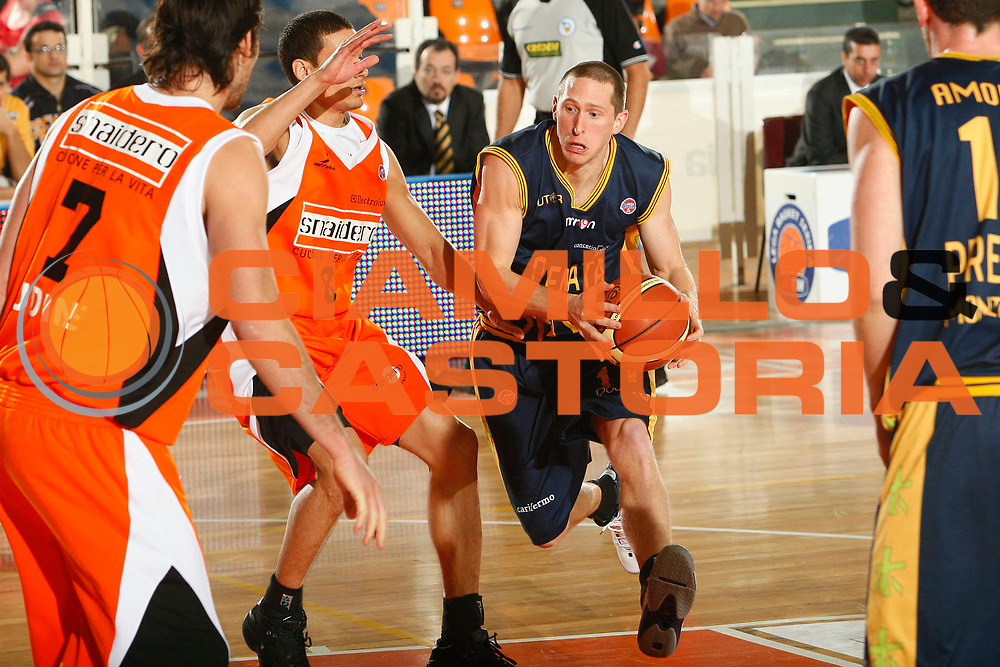 DESCRIZIONE : Udine Lega A1 2007-08 Snaidero Udine Premiata Montegranaro <br /> GIOCATORE : Jobey Thomas <br /> SQUADRA : Premiata Montegranaro <br /> EVENTO : Campionato Lega A1 2007-2008 <br /> GARA : Snaidero Udine Premiata Montegranaro <br /> DATA : 30/12/2007 <br /> CATEGORIA : Penetrazione <br /> SPORT : Pallacanestro <br /> AUTORE : Agenzia Ciamillo-Castoria/S.Silvestri