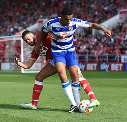 Derrick Williams of Bristol City battles with Nick Blackman of Reading - Mandatory by-line: Paul Knight/JMP - Mobile: 07966 386802 - 19/09/2015 -  FOOTBALL - Ashton Gate Stadium - Bristol, England -  Bristol City v Reading - Sky Bet Championship