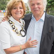 NLD/Blaricum/20160906 - Willibrord Frequin viert 75 ste verjaardag in Moeke Spijkstra, Hans Wennekes en ......