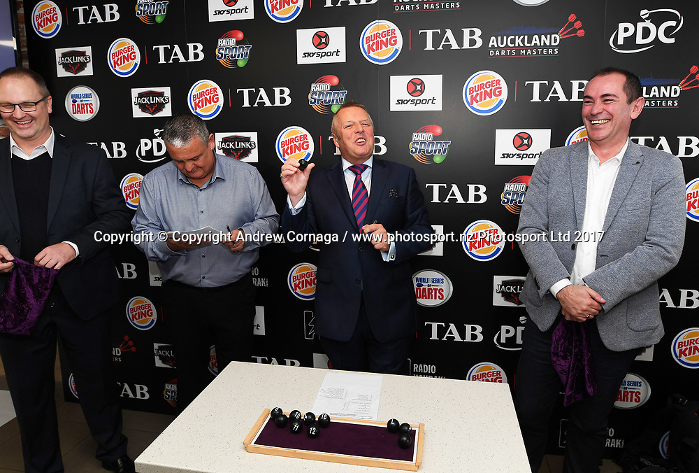 MC and announcer John McDonald during the draw.<br /> Auckland Darts Masters press conference and draw. Professional Darts Corporation (PDC). Burger King, Auckland, New Zealand. Thursday 10 August 2017. &copy; Copyright photo: Andrew Cornaga / www.photosport.nz