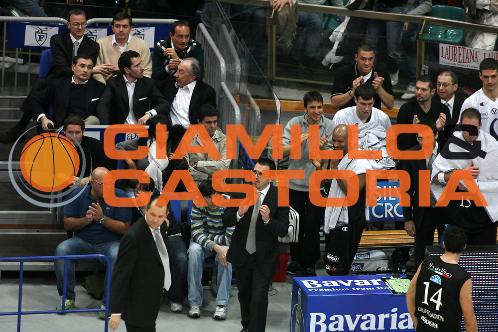 DESCRIZIONE : Bologna Lega A1 2006-07 Climamio Fortitudo Bologna VidiVici Virtus Bologna <br /> GIOCATORE : Sabatini <br /> SQUADRA : VidiVici Virtus Bologna <br /> EVENTO : Campionato Lega A1 2006-2007 <br /> GARA : Climamio Fortitudo Bologna VidiVici Virtus Bologna <br /> DATA : 11/03/2007 <br /> CATEGORIA : Esultanza <br /> SPORT : Pallacanestro <br /> AUTORE : Agenzia Ciamillo-Castoria/G.Ciamillo