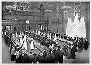 Guildhall, London,  the remains of the Lord Mayor's Banquet being distributed to the poor, 1900-1910..