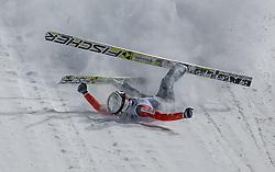 29.12.2014, Schattenbergschanze, Oberstdorf, GER, FIS Ski Sprung Weltcup, 63. Vierschanzentournee, Bewerb, im Bild Sturz von Simon Ammann (SUI) // Simon Ammann of Switzerland // during Competition of 63 rd Four Hills Tournament of FIS Ski Jumping World Cup at Schattenbergschanze, Oberstdorf, GER on 2014/12/29. EXPA Pictures © 2014, PhotoCredit: EXPA/ Peter Rinderer