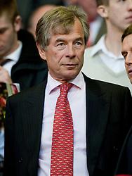 19.04.2010, Anfield, Liverpool, ENG, PL, Liverpool FC vs West Ham United im Bild Liverpool's neuer Vorsitzender Martin Broughton / SPORTIDA PHOTO AGENCY