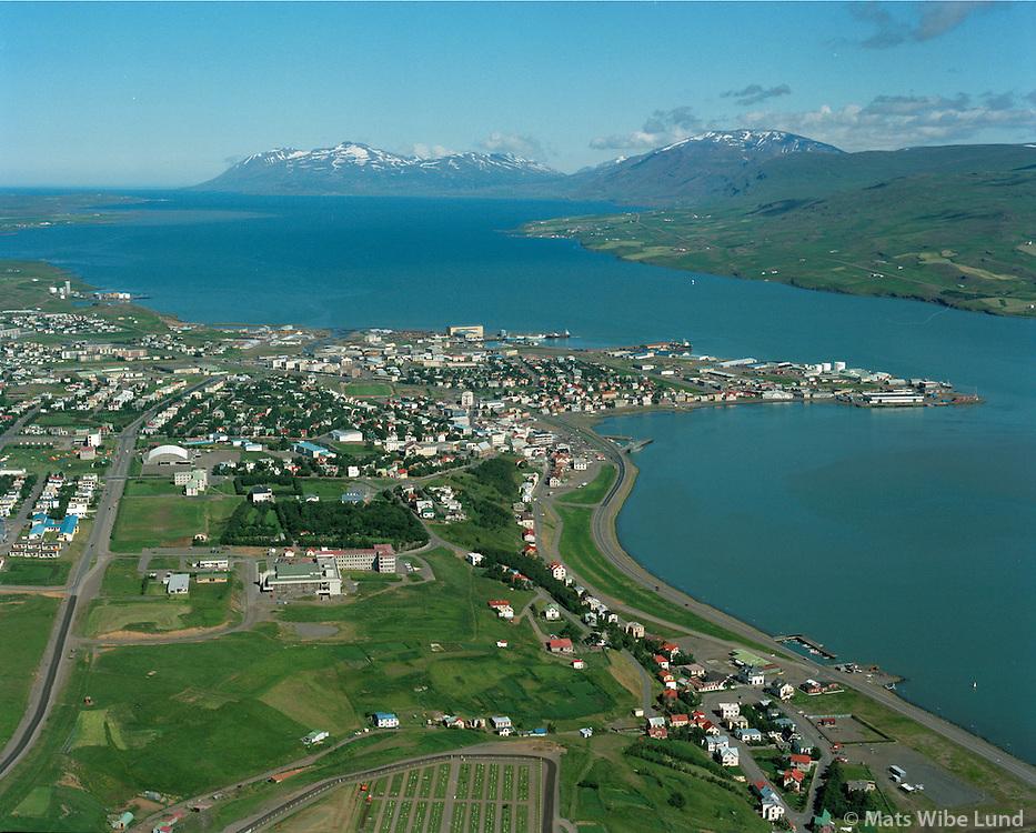 Akureyri séð til norðurs, Eyjafjörður. / Akureyri viewing north, Eyjafjordur. Mount Kaldbakur in far distance.