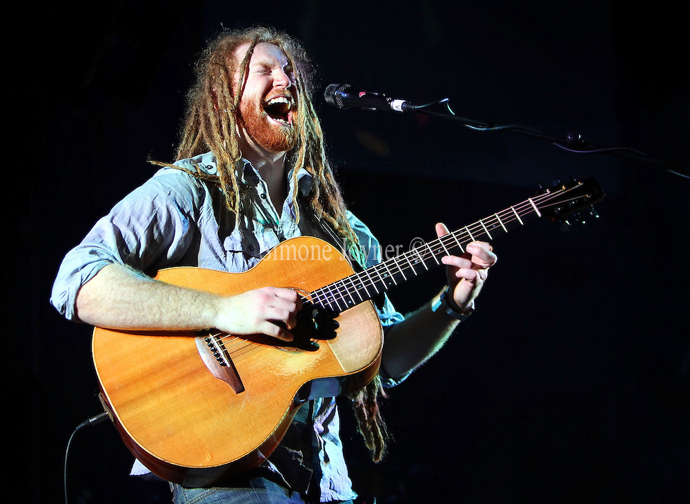 Newton Faulkner performs live on stage at Hammersmith Apollo on March 17, 2010 in London, England. (Photo by Simone Joyner)