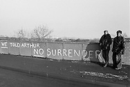Cortonwood pickets and No Surrender graffiti on railway bridge. Brampton Bierlow. 1984-85 miners strike. Jan 1985.