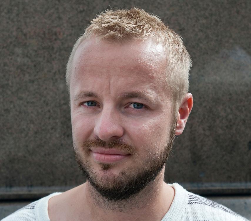 Person 2.Enkät i Oslo angående morgondagens dom i Breivik-rättegången